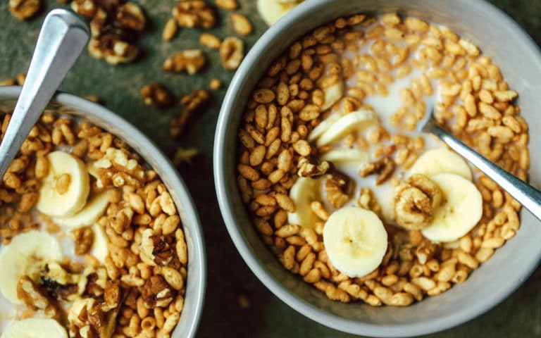 Crispy Cereal with Banana & Walnuts
