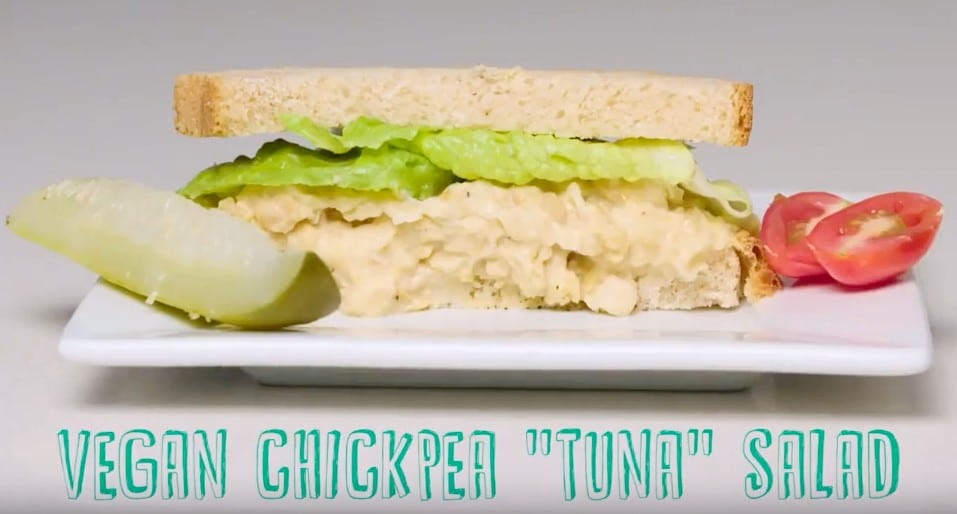 "This Vegan Chickpea ""Tuna"" Salad Is Perfect for Make-Ahead Lunches"