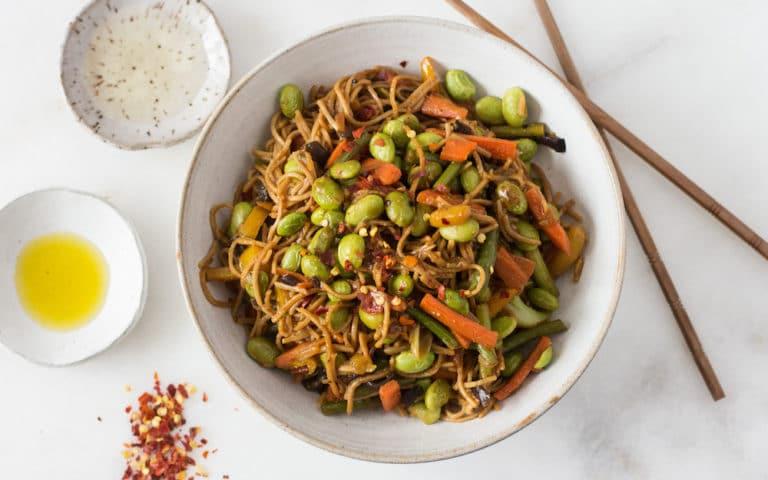 Stir-Fried Soba Noodle & Edamame Bowl