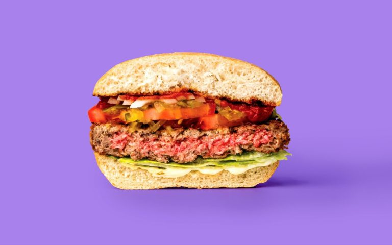 Red Robin Announces Plan to Launch Impossible Burger at 570 Locations