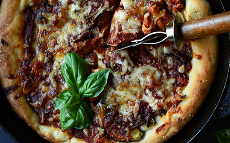 This Chicago Pizzeria Is Shipping Vegan Deep-Dish Pizza Around the Country