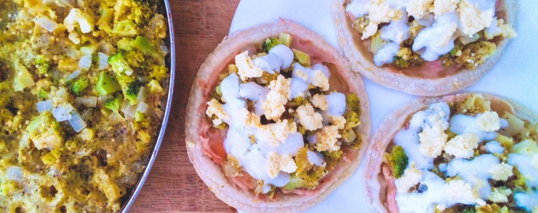 Sopes de brócoli con salsa asada