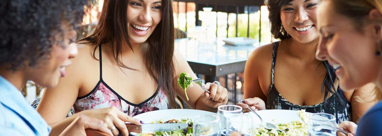 Guía para ordenar comida vegana en cualquier restaurante (y otros consejos)
