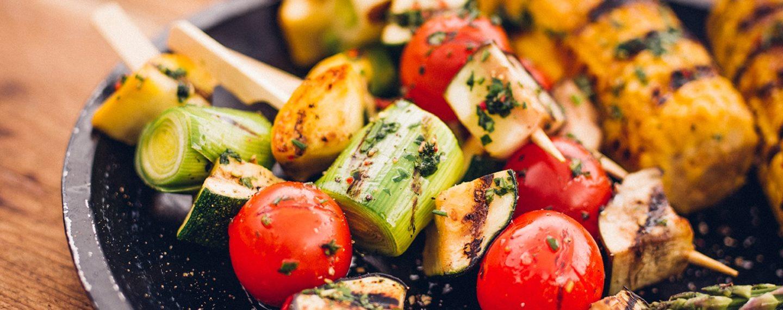 10 alimentos veganos para cocinar en tu próxima parrillada