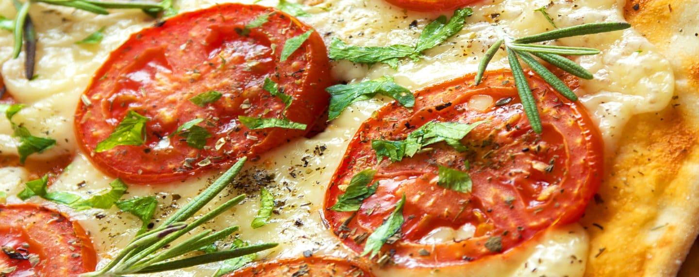 5 recetas para preparar pizzas en casa 🍕