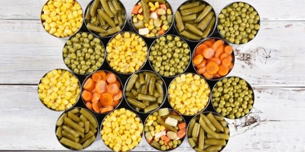 despensa vegana para la cuarentena verdura enlatados